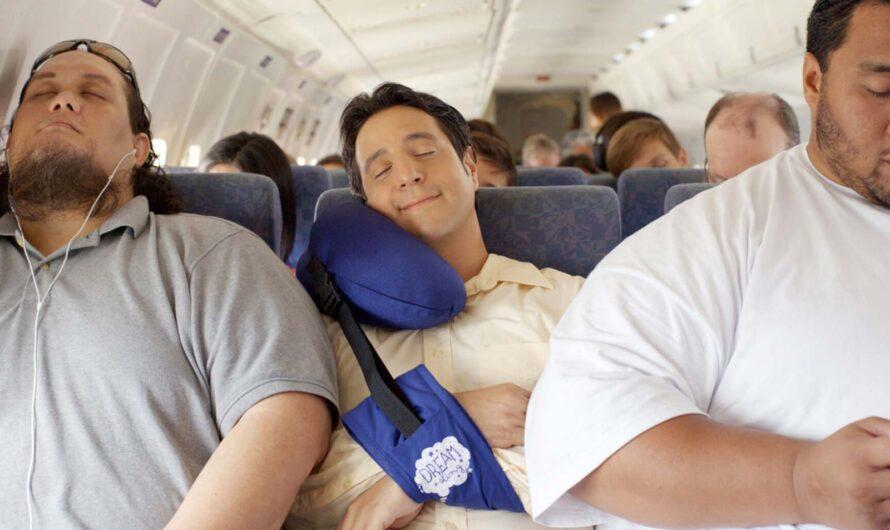 Подлокотники кресел в самолете. Как поделить?