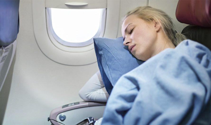 Не можете заснуть в самолете — мы поможем