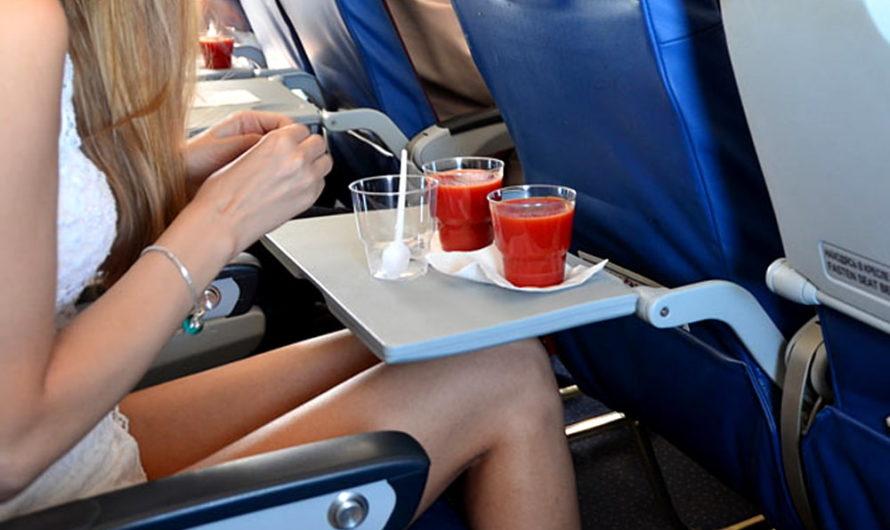Томатный сок наиболее любим пассажирами во время полета. В чем причина?